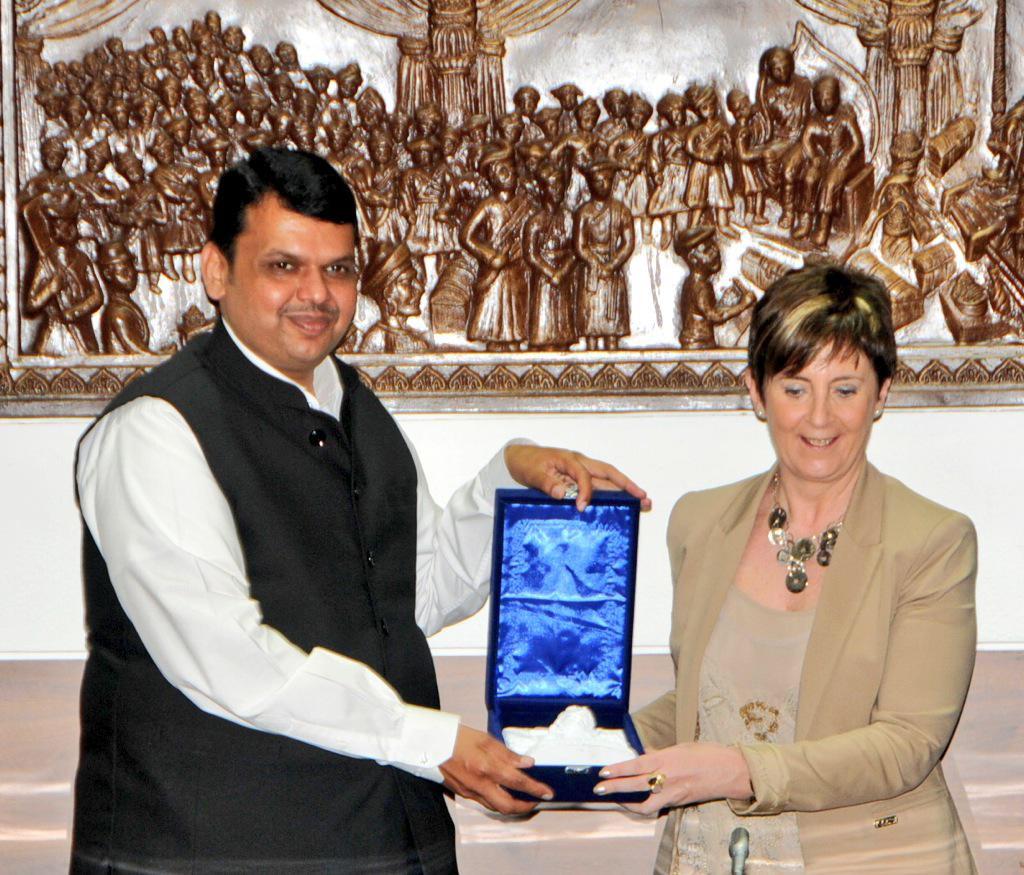 A-Tapia-y-Pr-Ministro-Maharastra